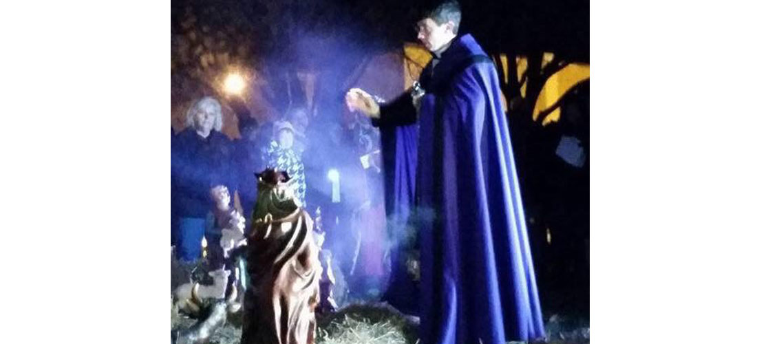 Advent Lessons and Carols Living Nativity